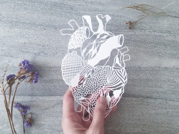 papercut-art-scherenschnitte-abstract-heart-papercutting-contemporary-gift