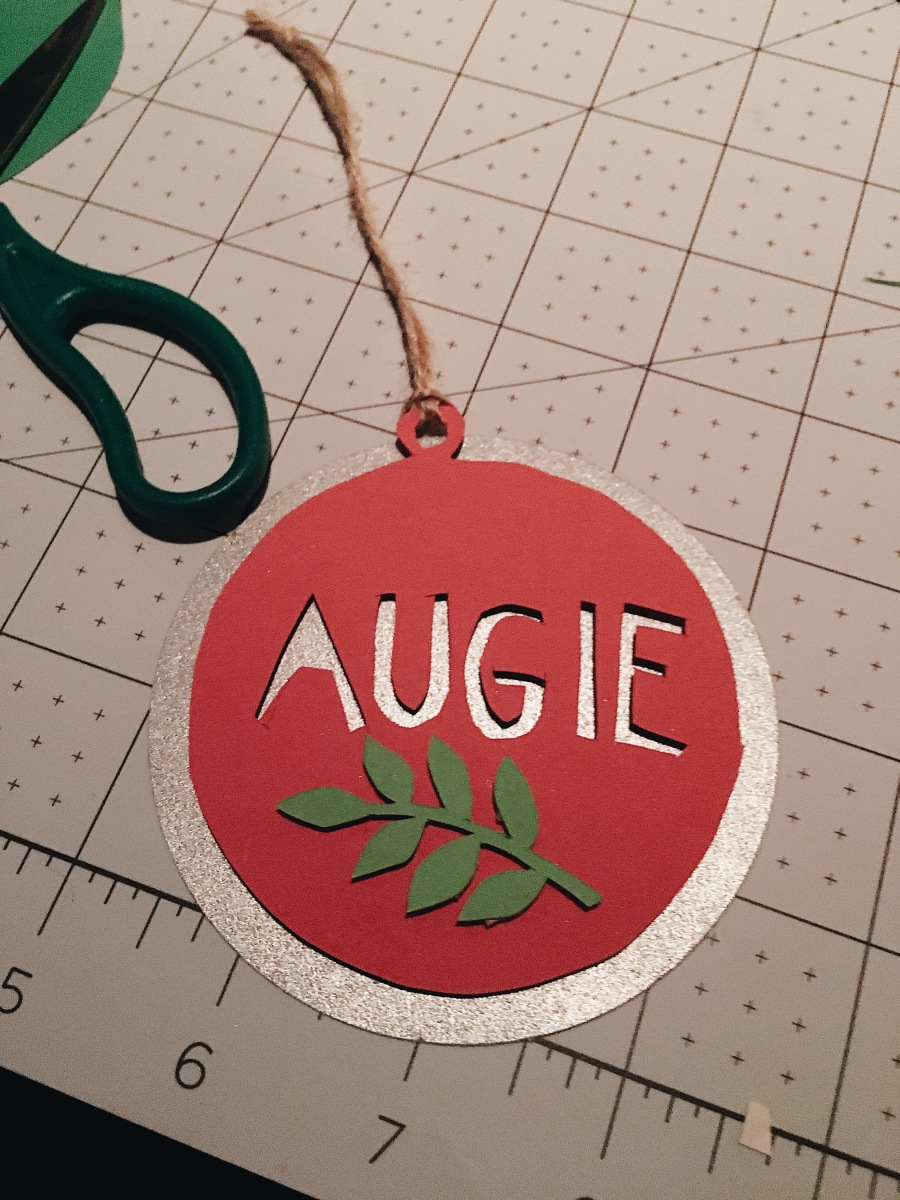 papercraft-holiday-ornaments-handmade-papercutting-yang-cuevo